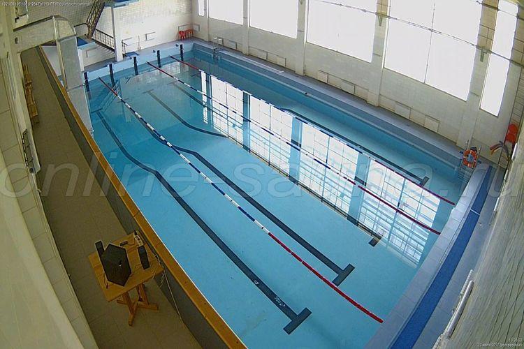 Салют, бассейн